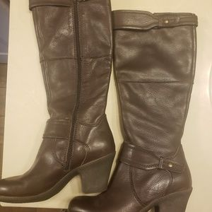 Easy Spirit Brown leather tall boots size 8.5W